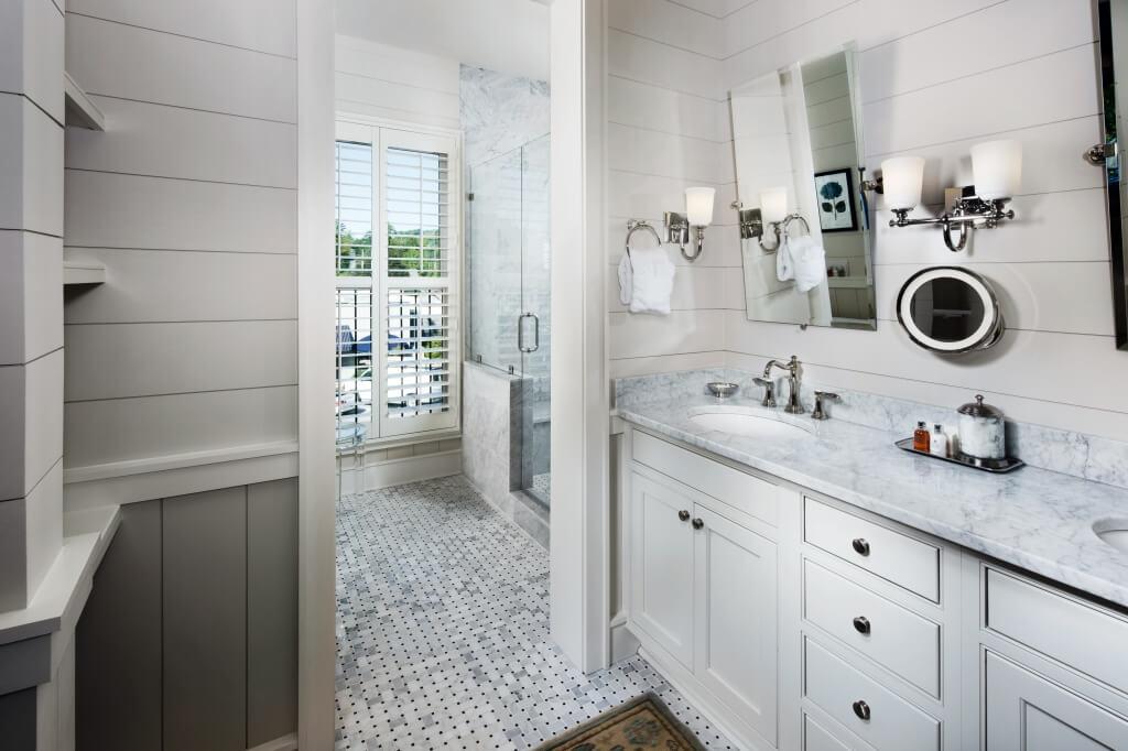 Satulah Suites bath
