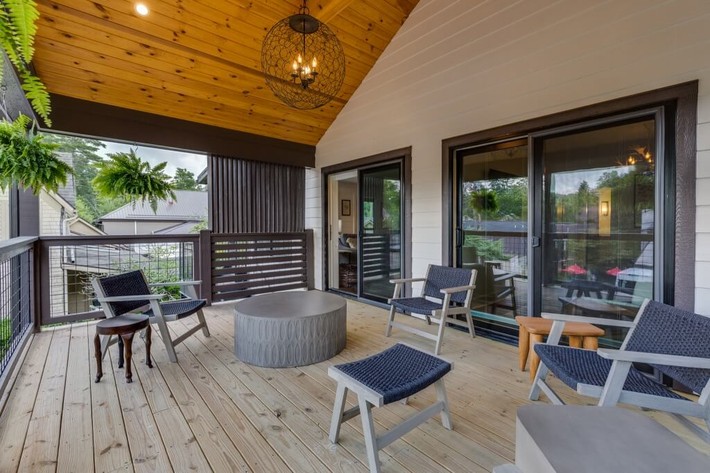 The Lofts - Watson Barret porch facing